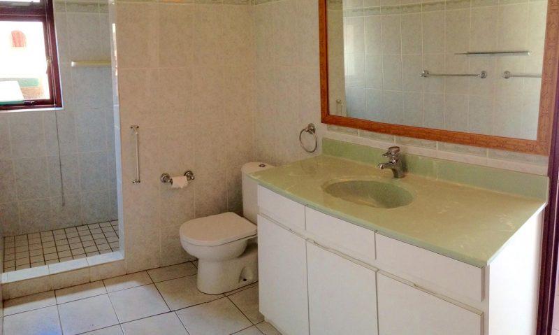 Badkamer 1 - Vakantiehuis Aruba