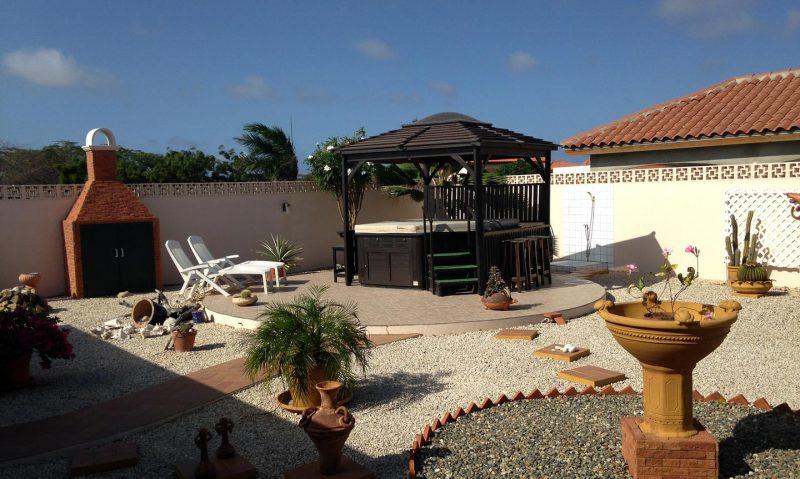 Achtertuin - Vakantiehuis Aruba